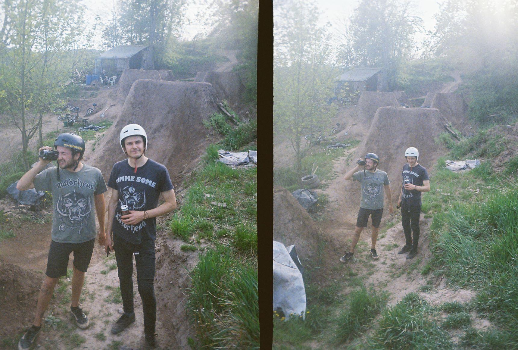 059_v Rockli se dycky nosili Motörhead trika a kolektingovala fůtydž