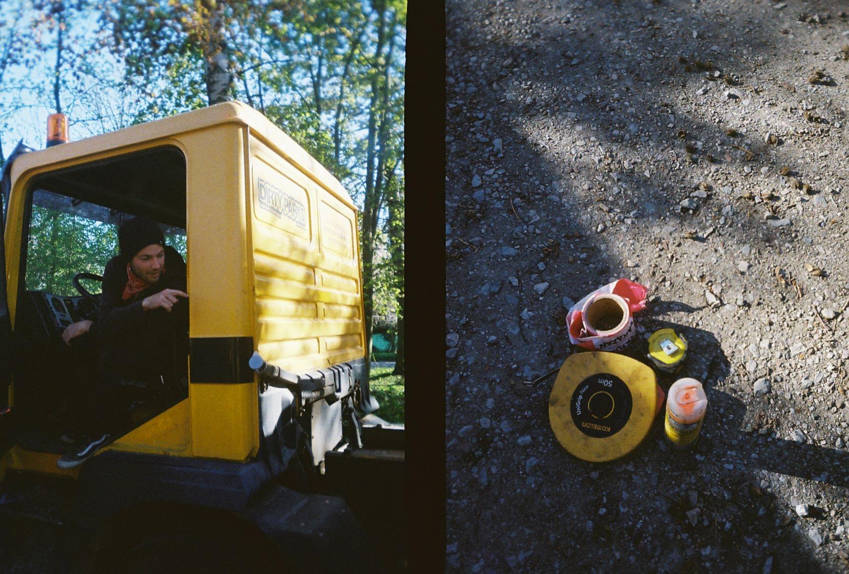 048_Dirty-Parks mechanizeca vpravo... a nějakej bordel vlevo